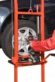 Accesorii si mobilier pentru industrie si garaje auto